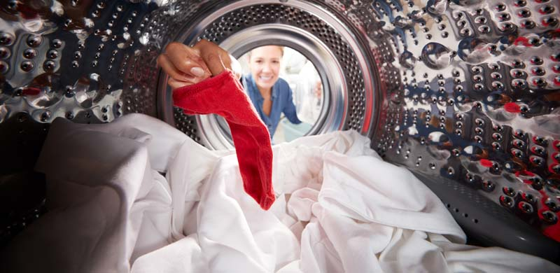 cum se spala hainele de bebelusi