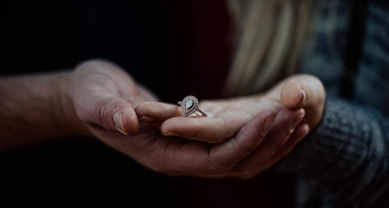 cum-cumperi-un-inel-de-logodna-din-argint